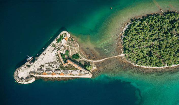 En dag i byen Šibenik med sine to UNESCO-monumenter