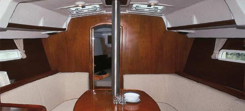 2005. Oceanis 373